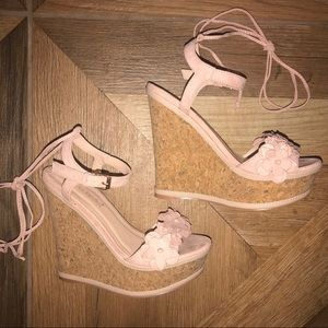 WORN ONCE Shoe Dazzle 5.5 Wedges